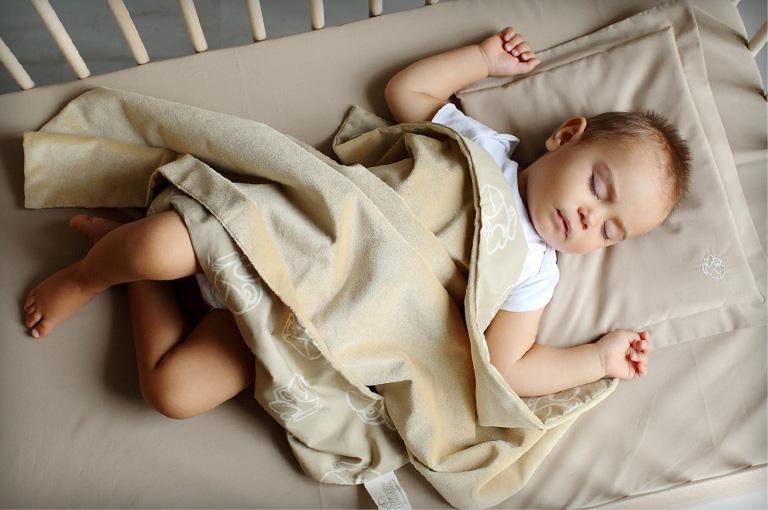 бебешко спално белцо