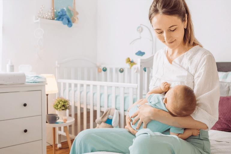 майка и бебе