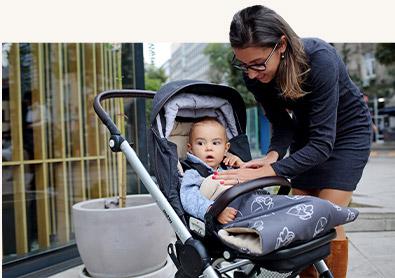 майка и бебе с чувалче на Бебетех